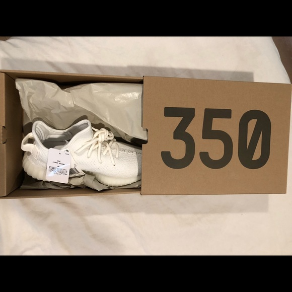 c066b4ad3 Brand new never worn yeezy triple white